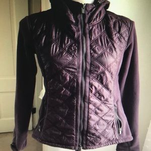 Athleta fleece with quilted body